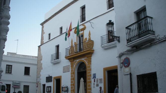Condenan a Diputación de Cádiz a indemnizar con 200.000 euros a una mujer que sufrió una caída en un hotel de Tugasa