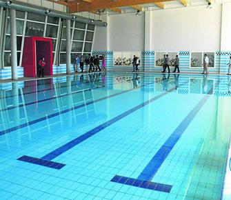 La piscina cubierta de la ciudad casi no tiene ya listas for Piscina cubierta galapagar