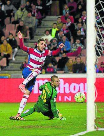 Un gol en propia meta del defensa portugués Miguel Lopes en el minuto 82  privó de la victoria al Granada ante el Espanyol y propició un empate que 37ce0f8046374