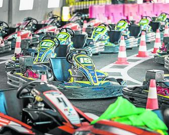 Circuito Karts Conil : Kr conil a toda velocidad